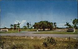 Salhaven Village Gate