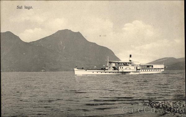 Sul lago Italy