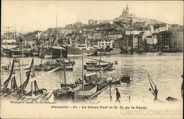 Le Vieux Port et Notre Dame de la Garde Marseille France