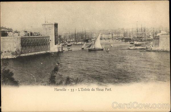 L;Entree du Vieux Port Marseille France