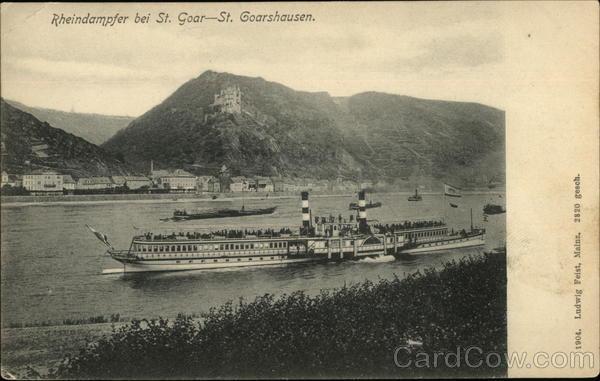 Rheindampfer bei St. Goar - St. Goarshausen Germany