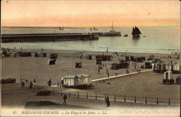 La Plage et les Jetees Boulogne-Sur-Mer France