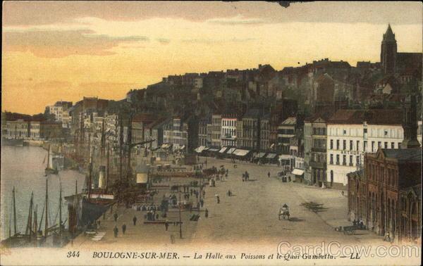 La Halle aux Poissons et le Quai Gambetta Boulogne-Sur-Mer France